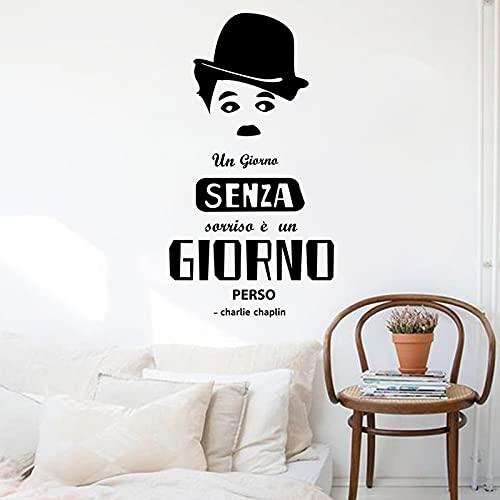 decalmile Charlie Chaplin Adesivi Murali Frasi Italiano Un Giorno Senza Sorriso è Un Giorno Perso Adesivi da Parete Scritte e Citazioni Nero Decorazione Murale Camera da Letto Soggiorno