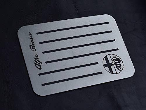 autoCOVR Tappetini universali in acciaio per Alfa_Romeo 159 147 156 166 GTV Giulietta Mito Giulia Stelvio Spider Brera 8C – 1 piastra in acciaio inox spazzolato con decorazione
