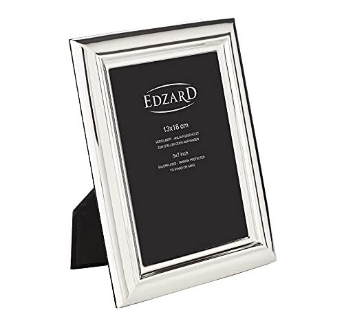 EDZARD Bilderrahmen Florenz für Foto 13 x 18 cm, edel versilbert, anlaufgeschützt, mit Samtrücken, inkl. 2 Aufhängern, Fotorahmen zum Stellen und Hängen