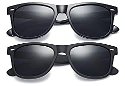 Black hipster sunglasses. Perfect for your Disney World packing list.