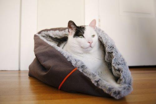 P.L.A.Y. (Pet Lifestyle And You) Snuggle Bed Sac de Couchage pour Chien Gris Husky Taille L