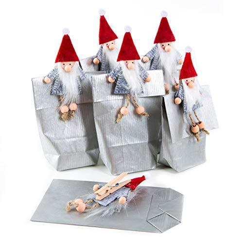 Logbuch-Verlag 6 kleine Wichtel Geschenk Beutel für Kinder + Erwachsene – weihnachtliche Geschenkbeutel Silber grau Papier mit roten Wichtelfiguren KLAMMERN Filz als Verpackung