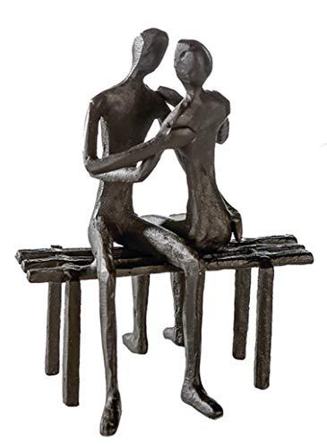 CMD Themen Figur, Skulptur mit Spruch und Weisheit, EINE LIEBENDE Seele IST UNBESIEGBAR, Eisen BRÜNIERT, durch wundervolles Design in Szene gesetzt, 13 x 11 x 10 cm