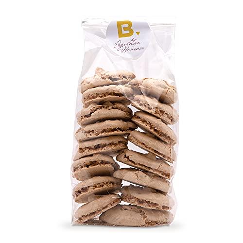 Feas y buenas galletas de 200g, elaboradas artesanalmente en Italia, preparadas con merengue y avellanas picadas.