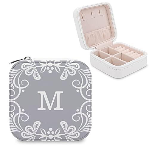 Caja de joyería para mujeres y niñas, gris blanco monograma personalizado redondo pequeño viaje PU cuero joyería caja de almacenamiento organizador vitrina para collar, pendientes, anillos y pulseras