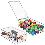 mDesign Organizador de juguetes con tapa - Cajas de almacenaje para guardar juguetes bajo la cama o en las estanterías de la habitación infantil – Juguetero de plástico transparente - Paquete de 2