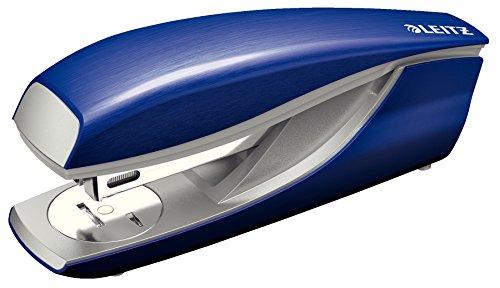 Leitz Cucitrice da ufficio, Capacità 30 fogli, Blu titanio, Design ergonomico in metallo, Include punti, Gamma Style, 55620069