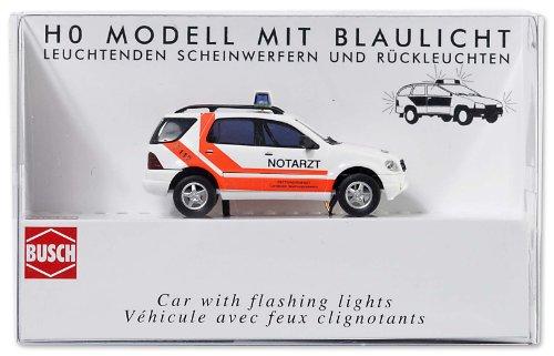 Busch 5631 - Notarzt Mercedes M-Klasse