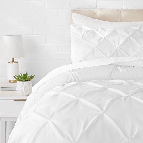 Amazon Basics - Juego de cama con colcha fruncida en pellizco, 220 x 250 cm, Blanco