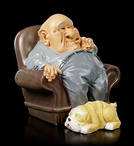 Funny Family Figur - Opa im Sessel mit Hündchen zu seinen Füßen   Witzige Dekofigur, handbemalt