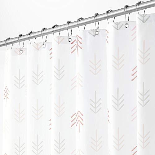 mDesign Cortina de ducha con moderno estampado de flechas – Cortinas de baño con ojales reforzados – Accesorio para ducha de cuidado fácil – multicolor y blanco
