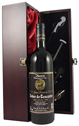 Senor de Cascante Gran Reserva Tinto Cosecha 1982 in einer mit Seide ausgestatetten Geschenkbox. Da zu vier Wein Zubehör, Korkenzieher, Giesser, Kapselabschneider,Weinthermometer, 1 x 750ml