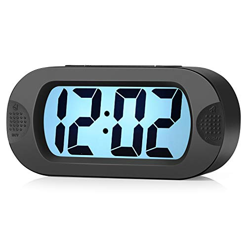 Plumeet Reloj Despertador Digital LCD Viaje, con Gran Pantalla, fácil de configurar, con Snooze y luz de Noche, Alarma con Sonido Ascendente y portátil, el Regalo Ideal para niños (Negro)