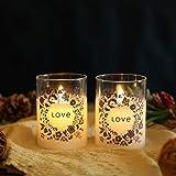 JHY DESIGN Set mit 2 Glaswachs-Batteriekerzen 10 cm hohe LED-Kerzen mit beweglicher Flamme Flammenlose Kerzen aus echtem Wachs Flackernde elektrische Kerzen mit 6-Stunden-Timer (LIEBE)
