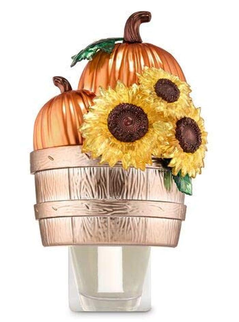 受賞フェザー乳製品【Bath&Body Works/バス&ボディワークス】 ルームフレグランス プラグインスターター (本体のみ) パンプキン&サンフラワーバスケット Wallflowers Fragrance Plug Pumpkins & Sunflowers Basket [並行輸入品]