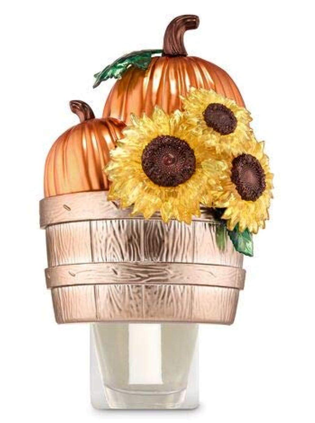 杭無法者地震【Bath&Body Works/バス&ボディワークス】 ルームフレグランス プラグインスターター (本体のみ) パンプキン&サンフラワーバスケット Wallflowers Fragrance Plug Pumpkins & Sunflowers Basket [並行輸入品]