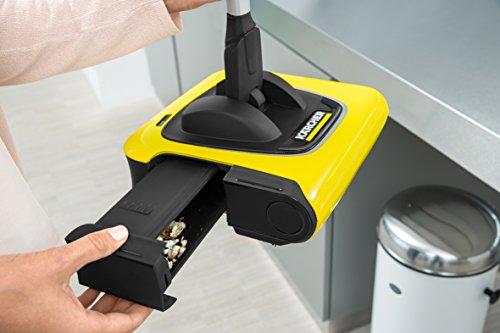 Kärcher Akkubesen KB 5 (Akkulaufzeit: bis zu 30 min auf Hartböden, ergonomische Reinigung ohne Bücken, randnahes Kehren, platzsparende Aufbewahrung, Parkposition, automatische An-/ Ausschaltung) - 4