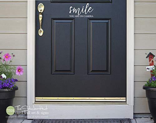 Smile You are On Camera Voordeur Vinyl Decal - Voorportiek Ideeën - Muurstickers - Home Decor- Vinyl Sticker Muurstickers 2026 Eenvoudig aan te brengen en verwijderbaar
