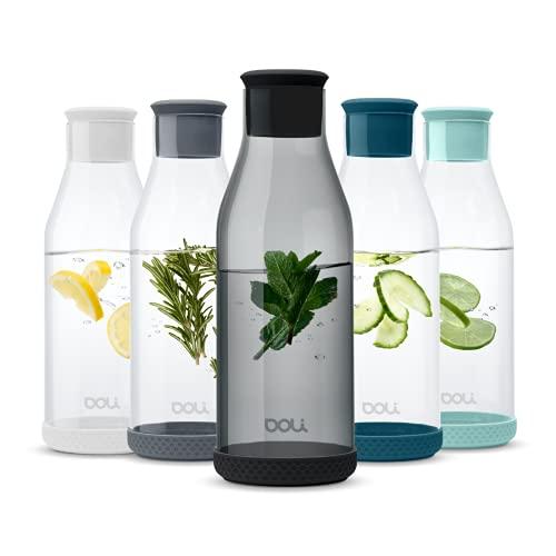 Doli Bottles Premium Glaskaraffe mit Deckel 1,5 L   Wasserkaraffe mit Silikondeckel und Silikonfuß   eleganter Wasserkrug   aromadicht verschließbar   für Wasser, Eistee, Milch, Saftschorlen (Schwarz)