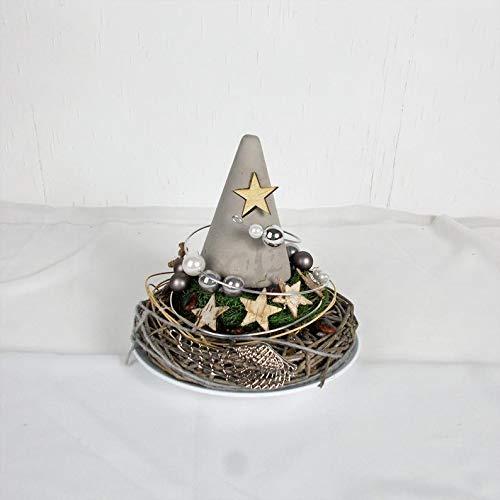 Weihnachtliche Tischdeko mit Beton Tannenbaum und Sternendeko, Weihnachtsdeko