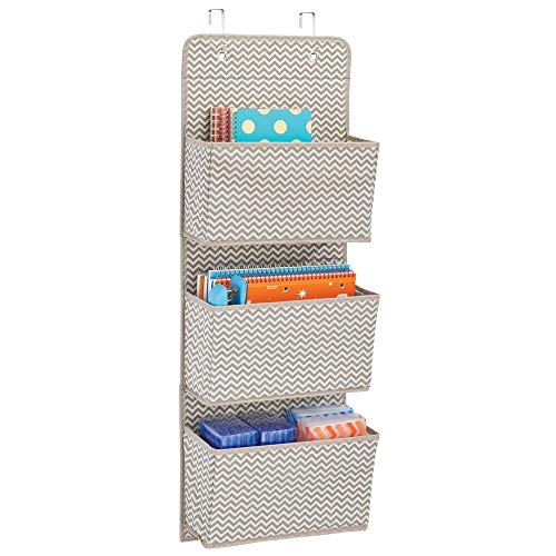 mDesign – Organizador de accesorios con 3 compartimentos – Organizador para colgar de polipropileno transpirable – Colgador de armario para zapatos, bolsos y accesorios para bebés