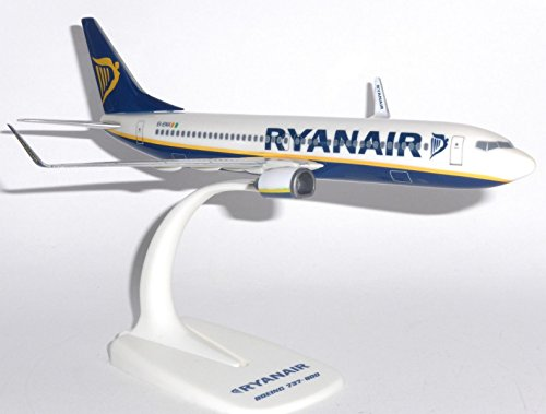 B737-800 (Ryanair) 1/200 Desk Top Model Mega Models