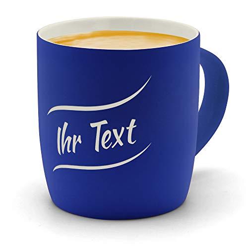 printplanet - Kaffeebecher mit eigenem Text graviert - SoftTouch Tasse mit Wunschtext - Matt-gummierte Oberfläche - Farbe Blau - Motiv: Textwelle 1. Zeilig