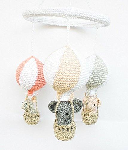 Babyzimmer Mobielchen mit Heissluftballons in pfirsich, koralle und grau
