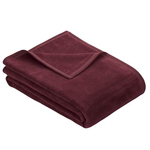 Ibena Berlin Wolldecke 150x200 cm - Premium Kuscheldecke rotbraun, hochwertige Markenqualität aus pflegeleichter Baumwollmischung mit eingenähtem Kunstlederpatch