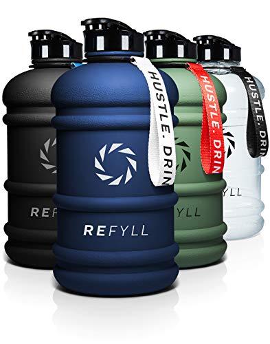REFYLL Botella Deportiva de 2 litros de Capacidad, champFYLL, Robusta Botella de Agua de 2 litros, para Gimnasio, Fitness y Entrenamiento, 2200 ml, Botella de 2 litros (Azul Marino)