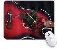 NIESIKKLAマウスパッド 赤と黒のスペインのミュージシャン、ポルトガルのロマンチックなテーマLove Roseパターンの手作りテーマギター ゲーミング オフィス最適 おしゃれ 防水 耐久性が良い 滑り止めゴム底 ゲーミングなど適用 用ノートブックコンピュータマウスマット