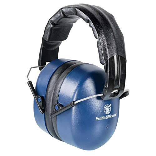 Smith & Wesson Passive 33 NRR Hearing Protection Muffs with Lightweight Design and Adjustable Earmuffs for Shooting, Hunting and Range