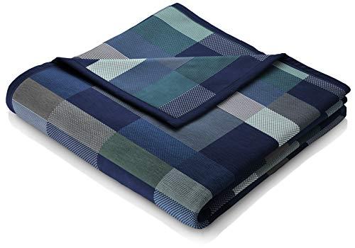 biederlack® Flauschige Kuschel-Decke aus Baumwolle und dralon® I Made in Germany I Öko-Tex I nachhaltig produziert I Wohn-Decke Color Squares Dark Blue in dunkelblau-grau I Sofa-Decke in 150x200 cm