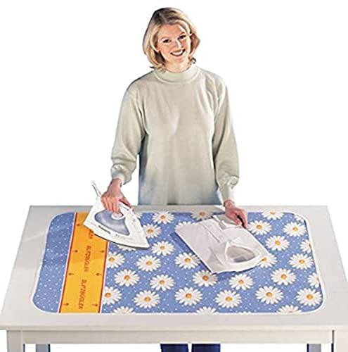 WENKO Bügeldecke Margie mit Blitzbüglerzone, Bügelunterlage mit Gleitfunktion & Aluminiumschicht, schnelles & knitterfreies Bügeln, Komfort-Polsterung, 100 x 65 cm