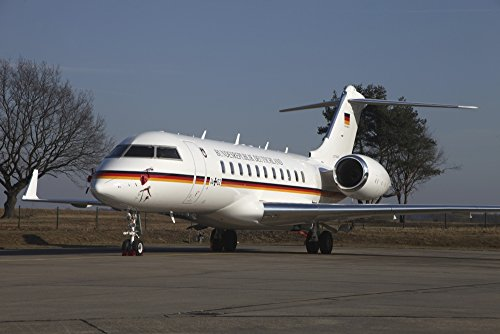 Timm Ziegenthaler/Stocktrek Images – A Bombardier Global 5000 VIP Jet of The German Air Force. Photo Print (86,87 x 57,91 cm)