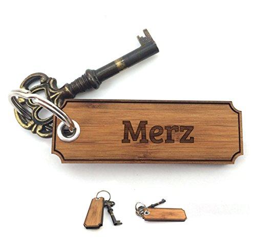 Mr. & Mrs. Panda Schlüsselanhänger Nachname Merz Classic Gravur - 100% handgefertigt aus Bambus Holz - Anhänger, Geschenk, Nachname, Name, Initialien, Graviert, Gravur, Schlüsselbund, handmade, exklusiv