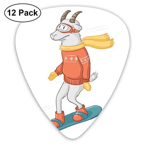 Gitaar Picks12pcs Plectrum (0.46mm-0.96mm), Cartoon Geit Figuur Op Een Snowboard Het dragen van Pullover Sjaal En Goggles In Winterseizoen, Voor Uw Gitaar of Ukulele