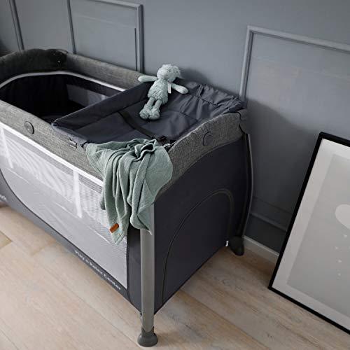 Hauck Play'n Relax Center Reisebett, 7-teiliges, ab Geburt bis 15 kg, faltbar und kippsicher, mit Neugeborenen Einhang, Wickelauflage, seitlicher Ausstieg, Netztasche, Räder, Transporttasche, grau - 24