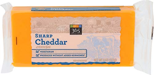365 Everyday Value, Sharp Cheddar Bar, 8 oz (Packaging May Vary)