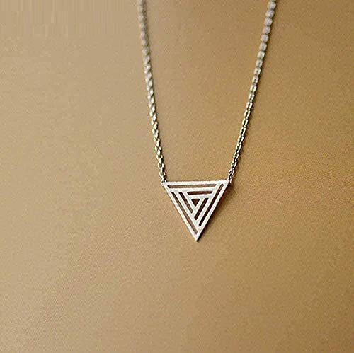 Yiffshunl Collar Collar Hueco Cepillado Collar Triangular geométrico Personalidad Tendencia Joyería Informal