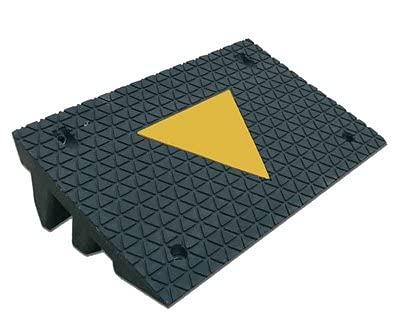 Ferretelix Rampa Salva bordillos Fabricado en Caucho Reciclado con Banda Amarilla 50 X 32 X 10