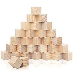 30 DADI LEGNO DI PINO DI ALTA QUALITÀ: Questo set include 30 cubi in legno, tutti realizzati in robusto pino. Questo legno da decorare resiste a restringersi, scheggiarsi, gonfiarsi ed è facile da avvitare, incollare e dipingere. Ogni cubo legno misu...