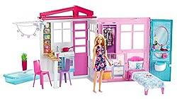 Barbie FXG55 - Ferienhaus mit Puppe, Möbeln und Pool, portables Puppenhaus ca. 46 cm hoch mit Tragegriff, Puppenzubehör Spielzeug ab 3 Jahren
