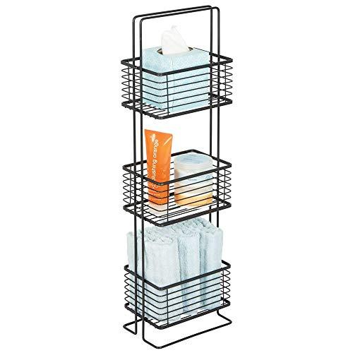 mDesign Badezimmer Regal – schmales Badregal mit drei Körben für Kosmetik, Handtücher und mehr – Standregal im Vintage-Stil für Bad, Küche und Büro – schwarz