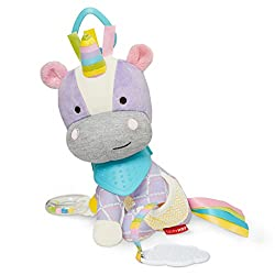 Multisensory play with multiple fabrics and textures Colourful character - der Rattles, chimes, squeaks & mirrors (features vary) Bandana is a soft silicone tether Attaches to stroller car seat or infant carrier