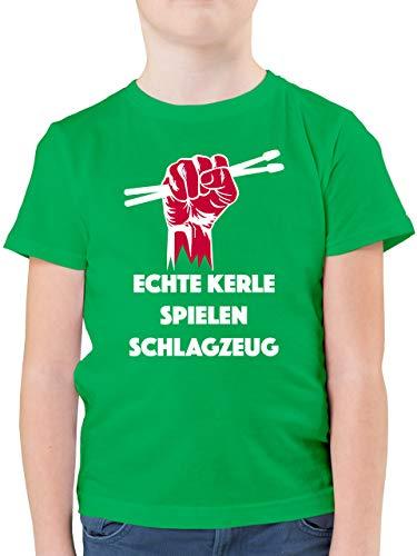 Sprüche Kind - Echte Kerle Spielen Schlagzeug - 140 (9/11 Jahre) - Grün - Tshirt Junge 140 - F130K - Kinder Tshirts und T-Shirt für Jungen
