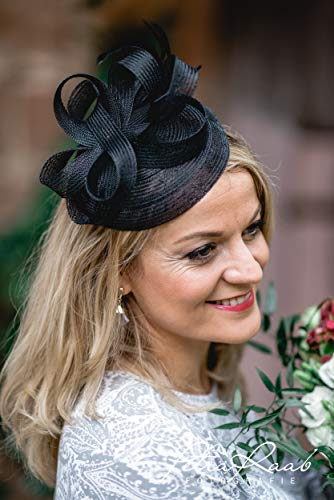 M53 Fascinator Headpieces mini Hütchen Royal hat Hut Ballhut Victoria Derby Kentucky Derby couture Millinery Hochzeit