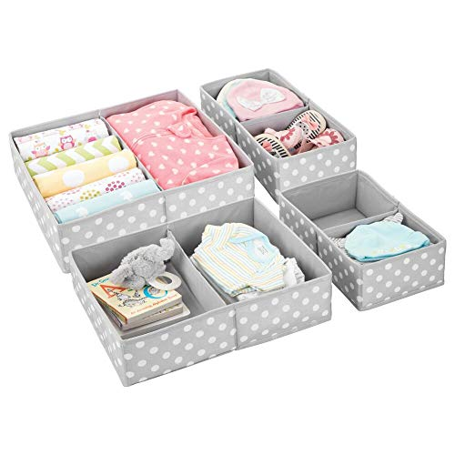 mDesign 4er-Set Aufbewahrungsbox fürs Kinderzimmer – Faltbare Kinderzimmer Aufbewahrungsbox in 2 Größen für Babykleidung – Kinderschrank Organizer aus atmungsaktiver Kunstfaser – grau/weiß gepunktet