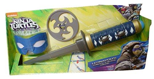 """Le armi Conceal and Reveal, ispirate al film """"Tartarughe Ninja - Fuori dall'ombra"""". Diventa il tuo membro preferito del team verde, Leonardo. L'arma di Leo è nascosta, ma tirando o premendo un pulsante viene svelata la katana nella sua interezza. Inc..."""