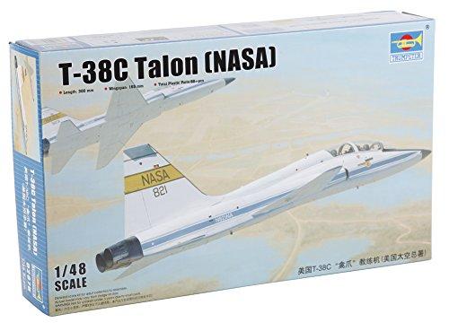 Trumpeter US T-38C Talon (NASA) Model Kit